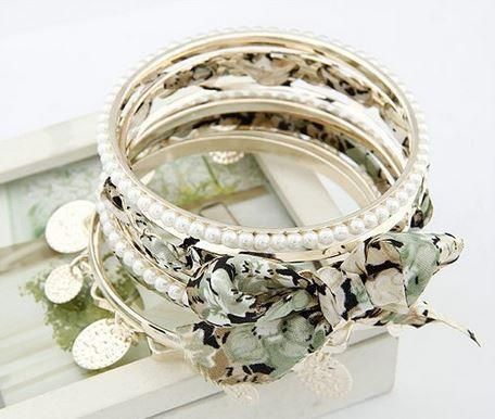 White - Green Floral Tones