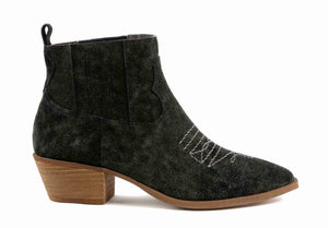 Borderline Rough Suede Black Western Booties Side