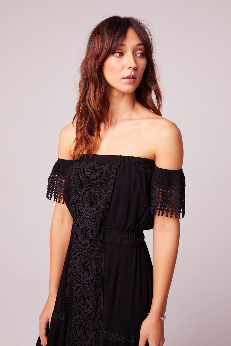 Breeze Off The Shoulder Black Lace Dress Close