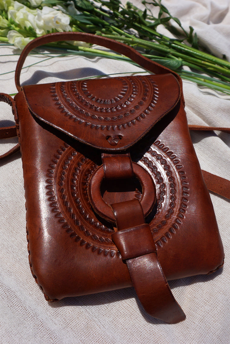 Wanderlust Leather Hand Made Pouch Close