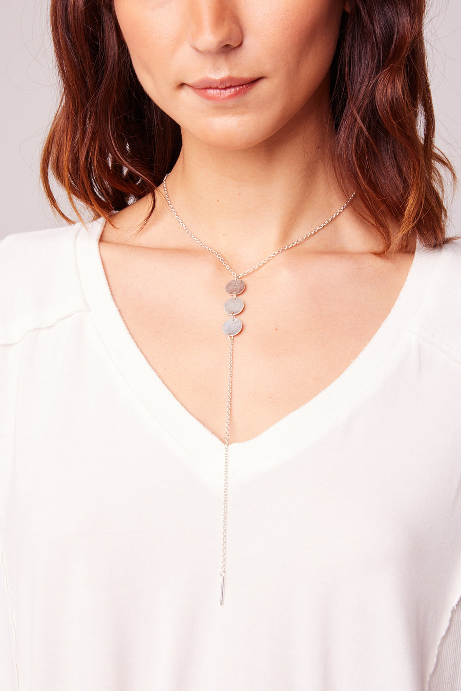 Drop It low Triple Disc Lariat Necklace Detail