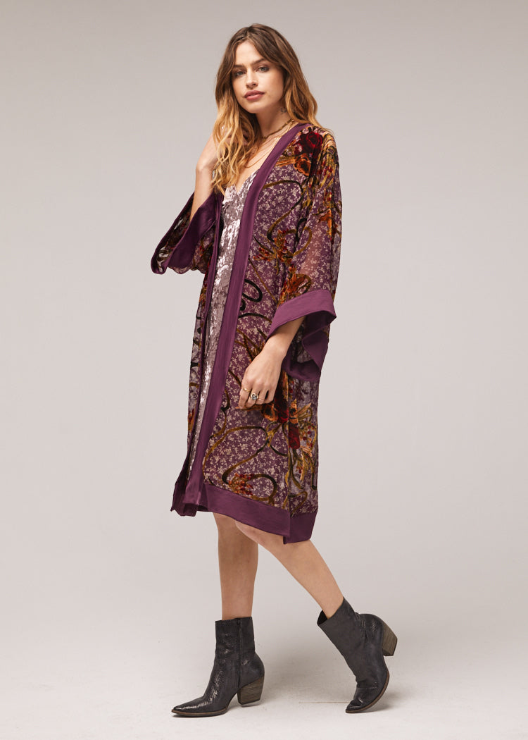 Lonnie-Crushed-Velvet-Satin-Kimono-Side