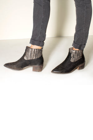 Borderline Micro Cow Suede Black Booties Side