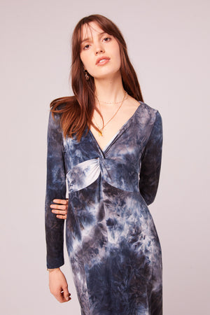 Winward Ave Long Sleeve Tie Dye Maxi Dress Detail