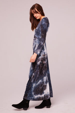 Winward Ave Long Sleeve Tie Dye Maxi Dress Side