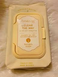 the CREME shop CLEAR THE WAY Makeup Removal Towlettes(Baking Soda/Deep Clean&Brighten) 60pcs