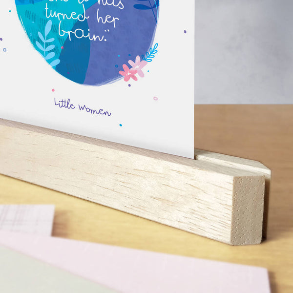 Pack of 12 Magnetic Wooden Postcard Stands