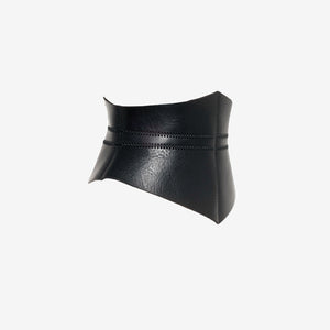 0770 Triangle leather corset belt