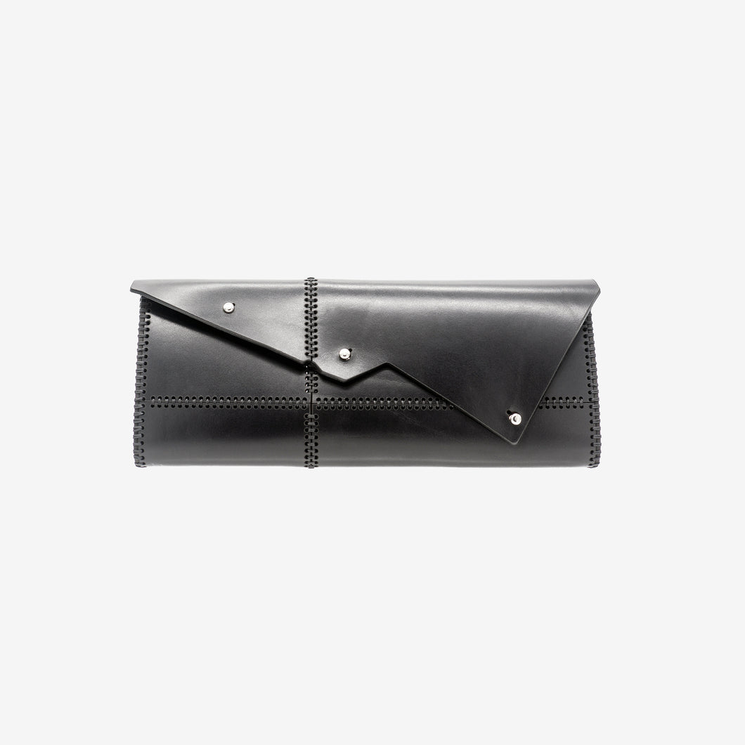 Nemesi leather clutch
