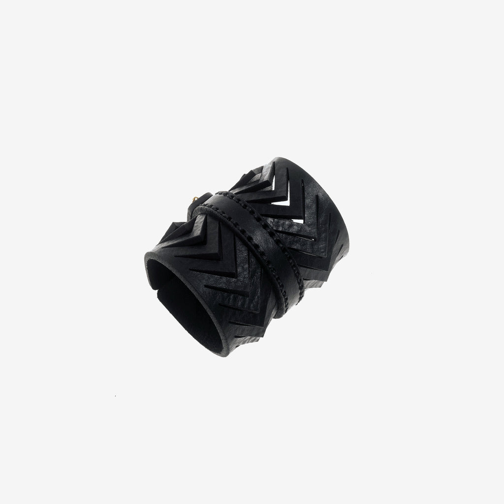 C05 Black leather bracelet - 0770shop