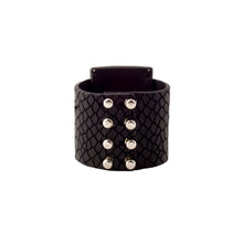 Load image into Gallery viewer, 0770 Noronha leather cuff