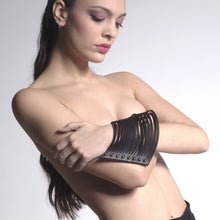 Load image into Gallery viewer, 0770 Bora leather cuff