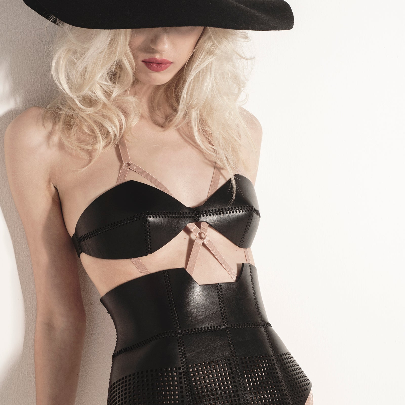 BR02 Black leather bra - 0770shop
