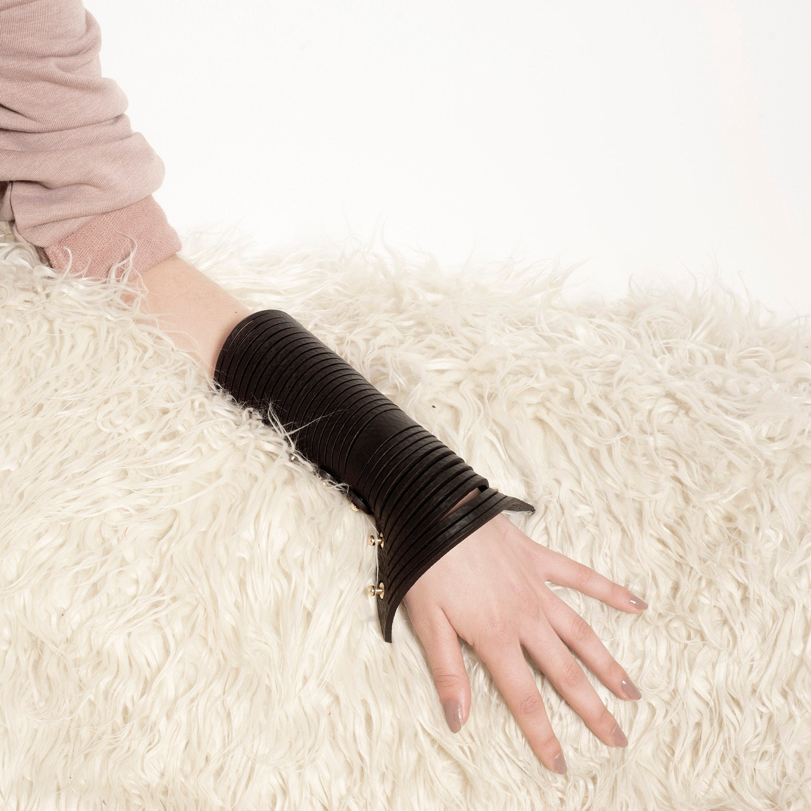 C02 Black leather cuff - 0770shop