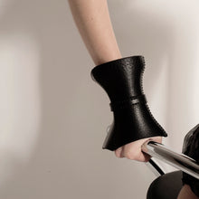 Load image into Gallery viewer, 0770 Hoof leather cuff