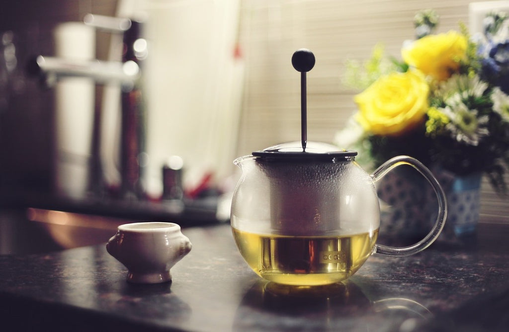 3 REASONS YOUR SKIN WANTS YOU TO DRINK MORE GREEN TEA