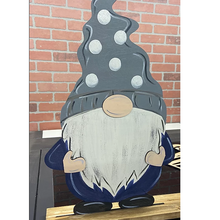 DIY Interchangeable -Gnome Sign