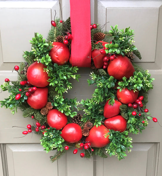 Red Pear & Boxwood Wreath