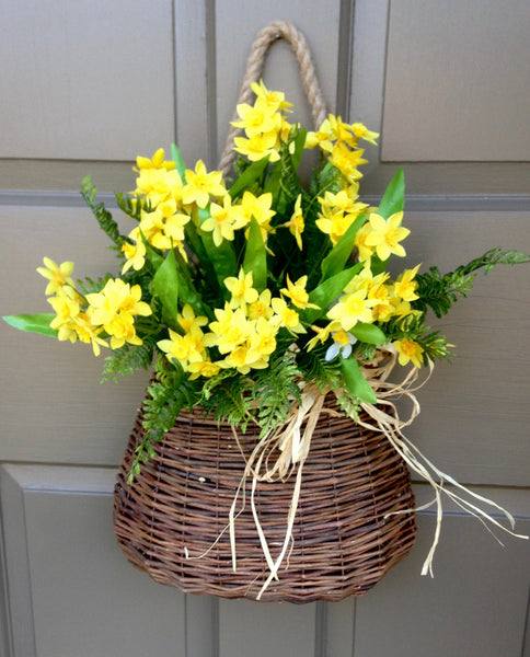 Narcissus Door Basket