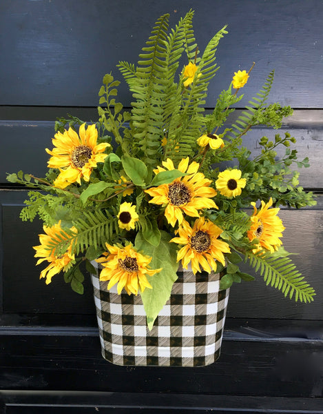 Sunflower Buffalo Check Door Planter