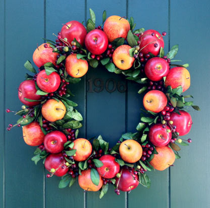 All Season Apple Wreath