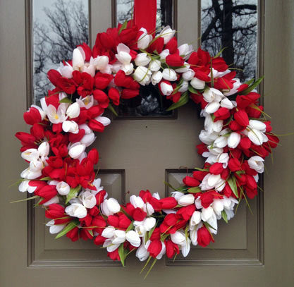 Red & White Tulip Wreath