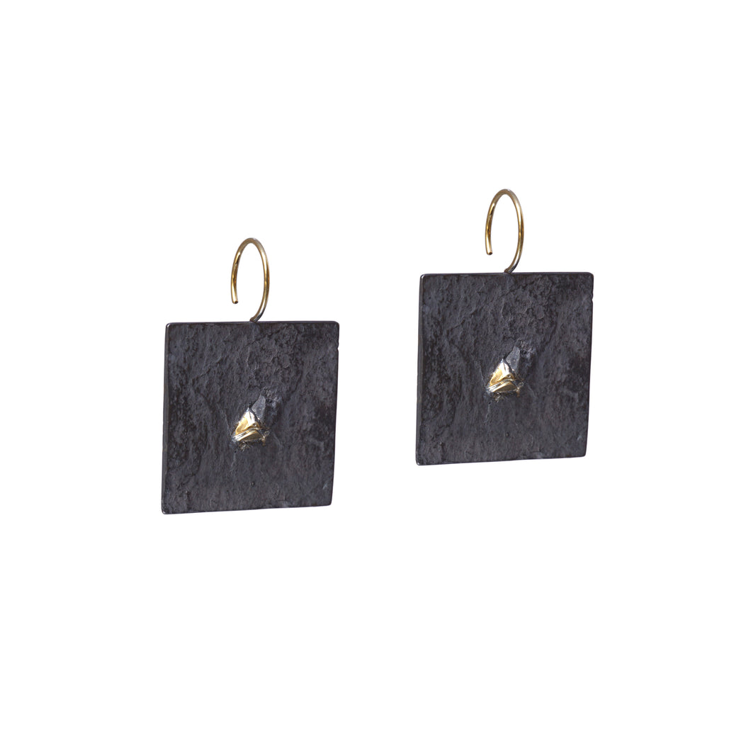 blak big square earrings