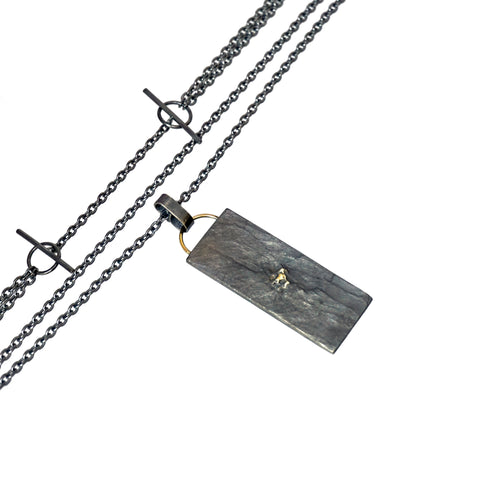 blak long layered necklace