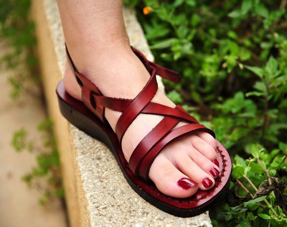 Flat women Leather sandals