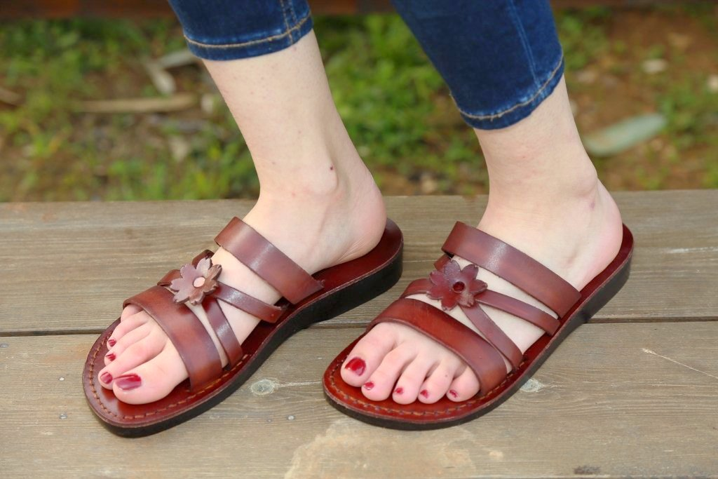 Floral flip flops  for women leather and handmade with comfort fit