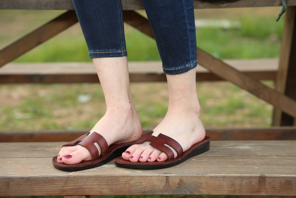 Slip on   flipflops Leather  Jesus Sandals for women with rubber sole