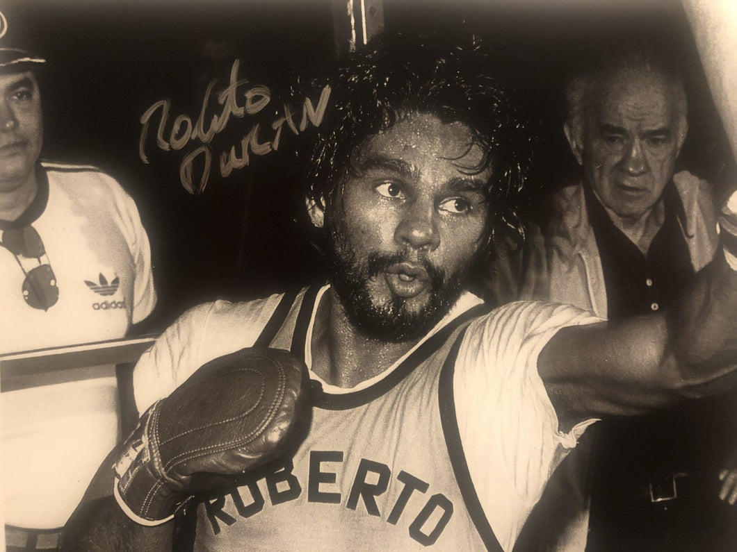 Roberto Duran Autographed Signed boxing 8x10 training photo