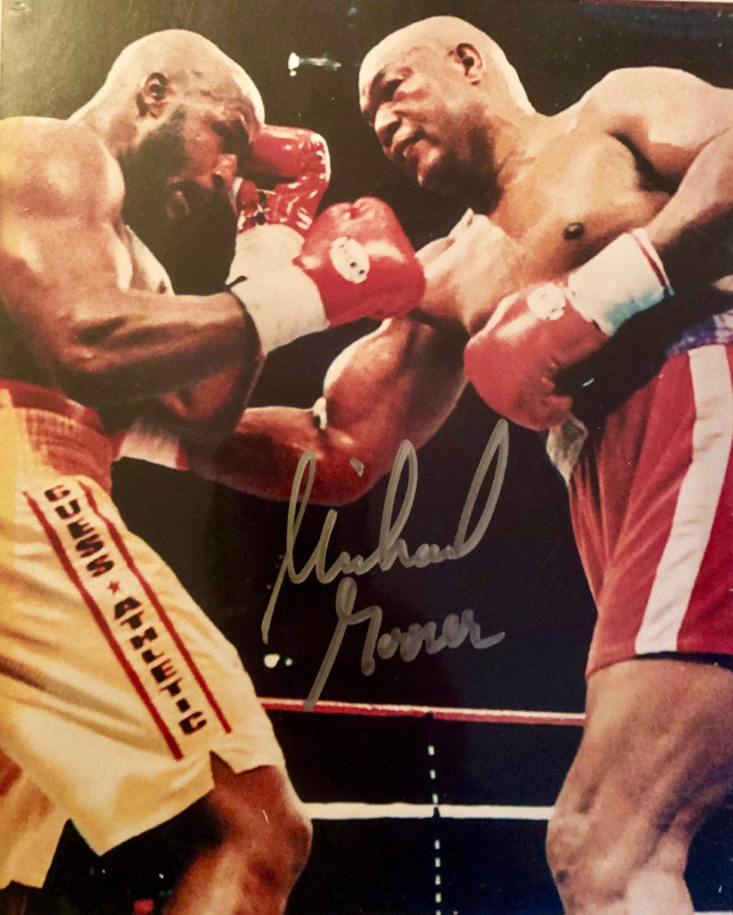 Michael Moore Signed Autographed 8x10 boxing photo vs Foreman