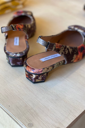 Load image into Gallery viewer, About Arianne Beauty Galo Velvet Garden Print Slingbacks