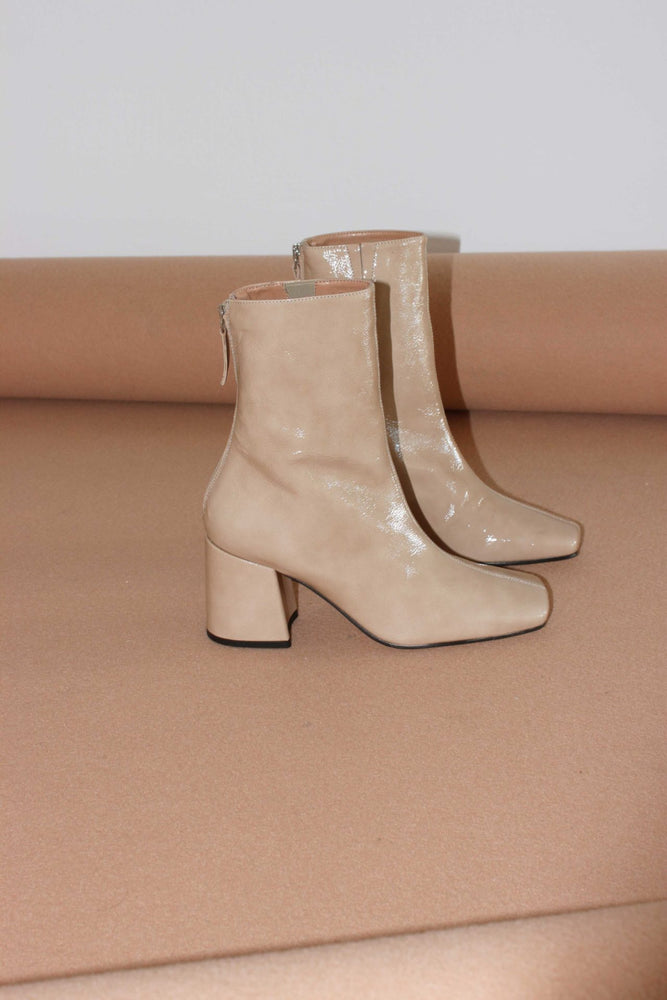About Arianne Nico Boots Oat Patent Leather