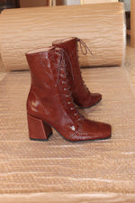 About Arianne Stevie Boots Coffee Patent Leather