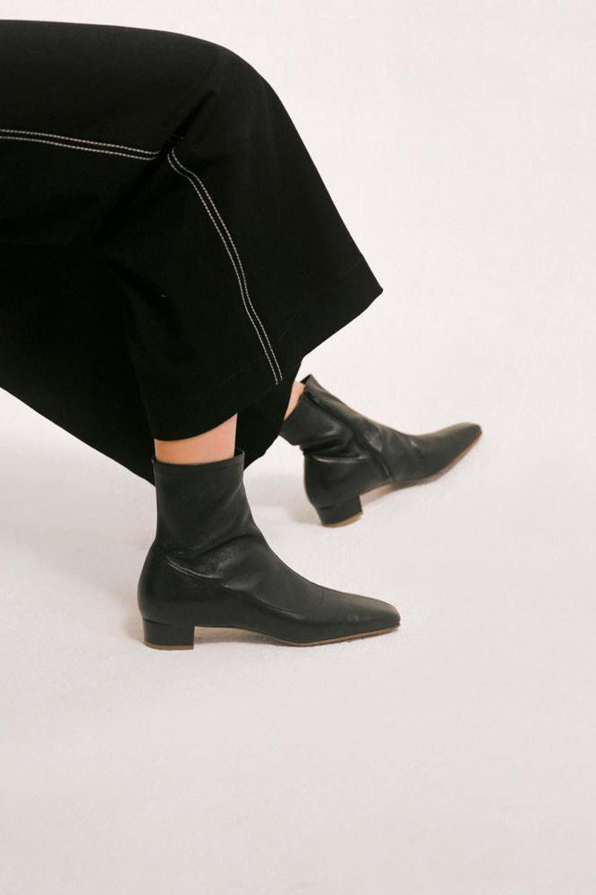 BY FAR Este Boots Black Leather