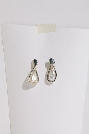 Load image into Gallery viewer, Hernan Herdez Small Caged Pearl Earrings Sterling Silver