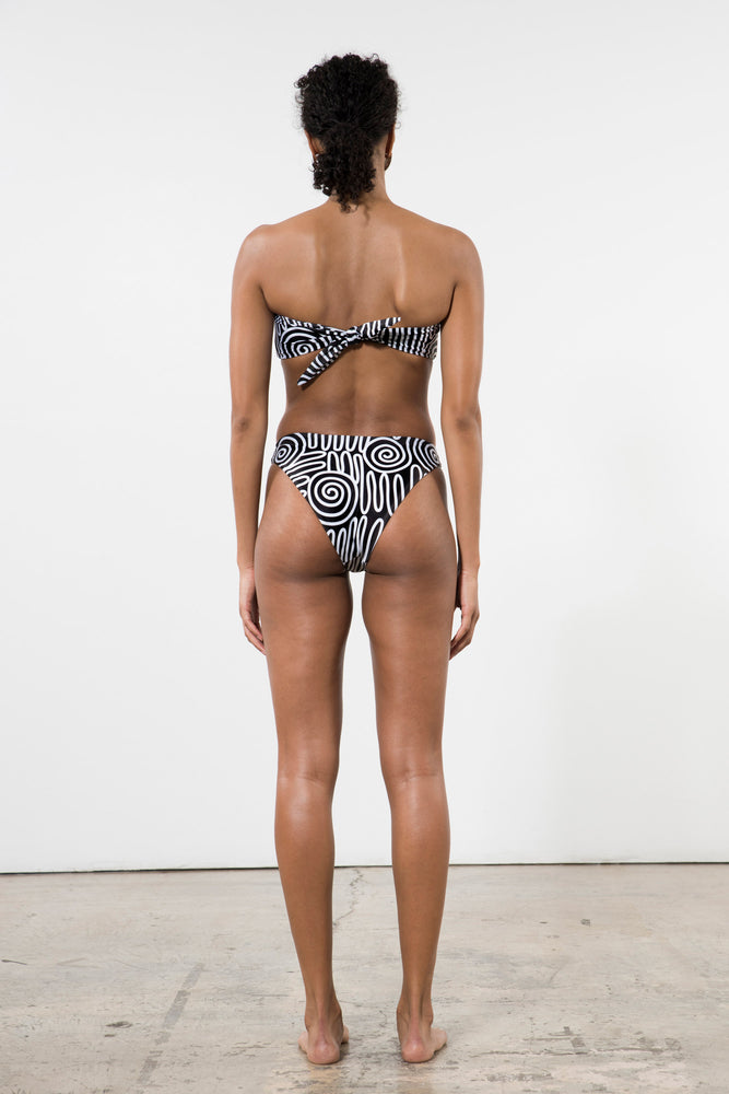 Load image into Gallery viewer, Mara Hoffman Reva Bikini Bottoms Black & White