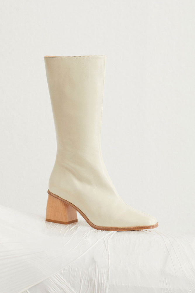 Load image into Gallery viewer, Paloma Wool Emiliana Boots Cream