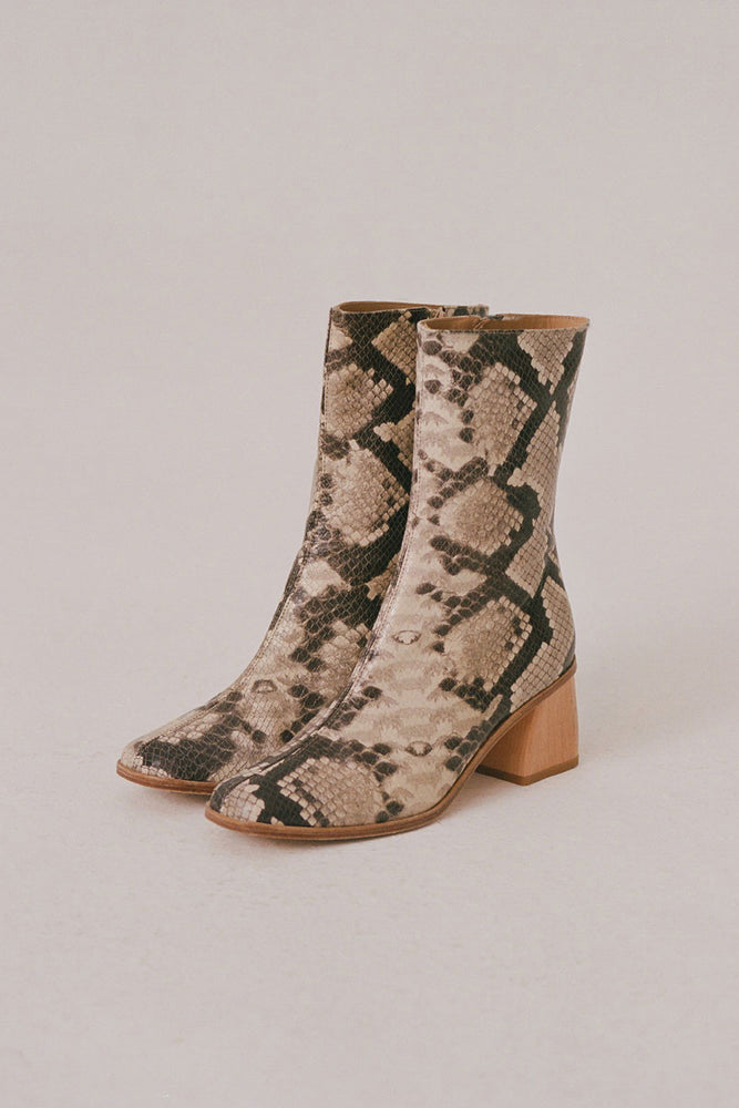 Paloma Wool Emilia Boots Brown Snake