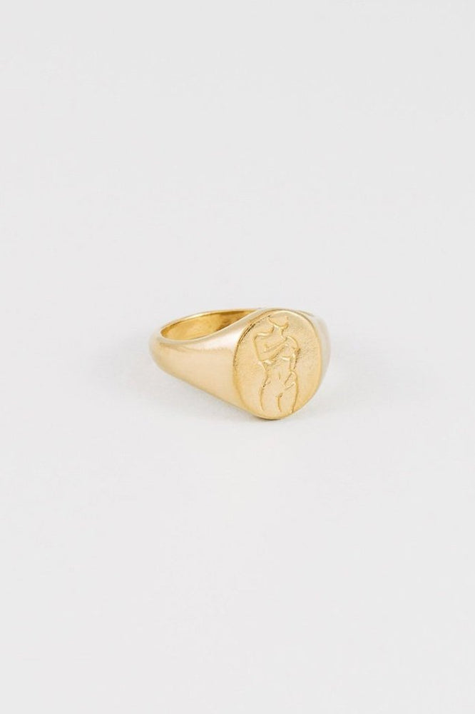 Load image into Gallery viewer, Wolf Circus Femme Signet Ring Gold Jewelry