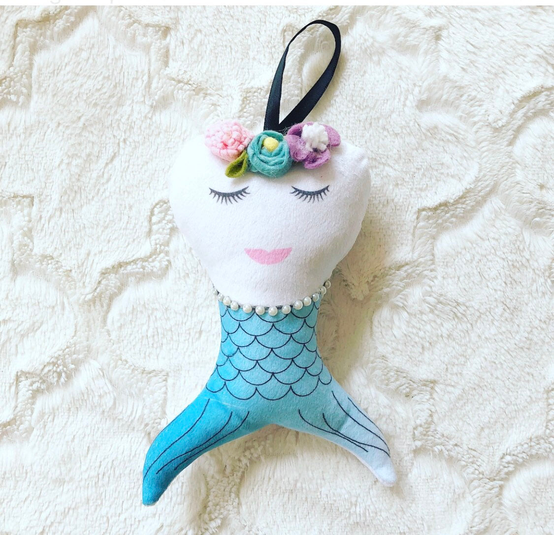 Tooth Pillow Mermaid Girl or Boy, With Pearl Necklace, Free To Personalize, Pouch  in back, Christmas Gift, Stocking Stuffer,
