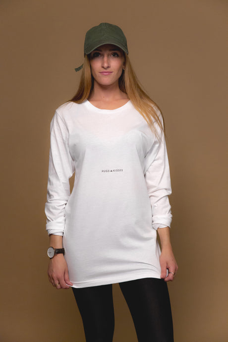 XO Hugs and Kisses Long Sleeve Street White