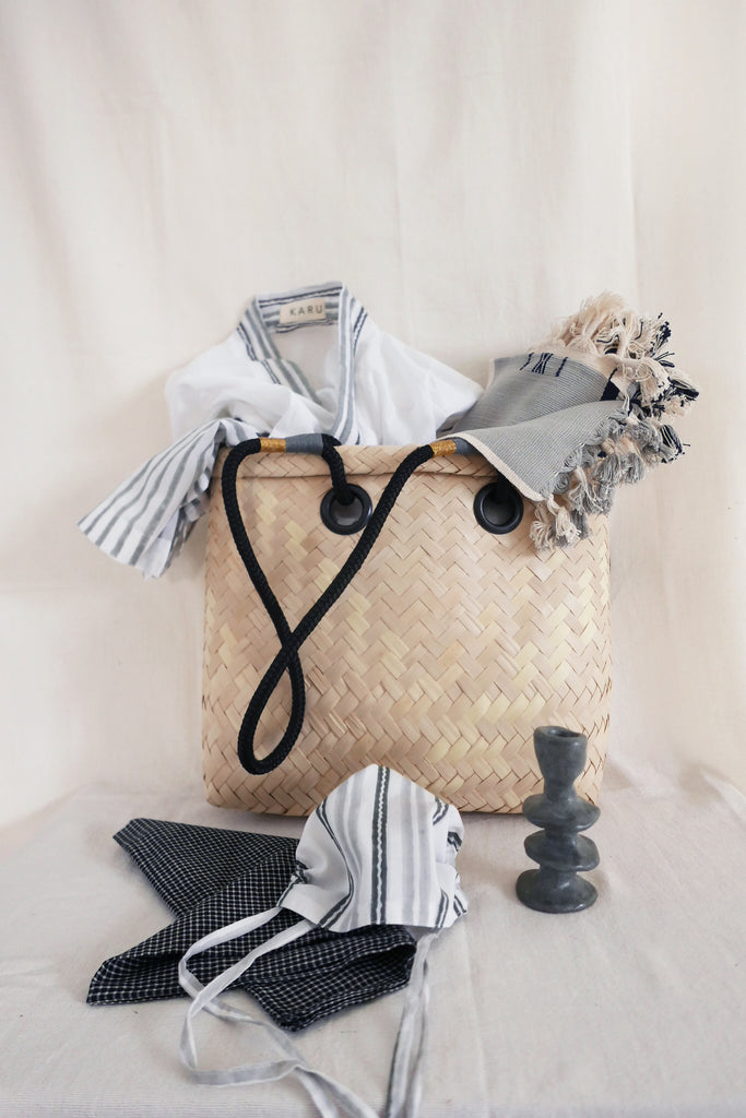 Lala Palm Holiday Basket