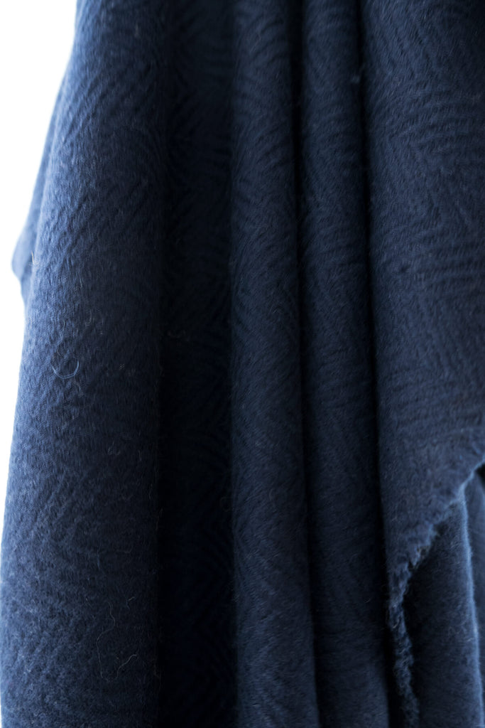 Woven Wool blanket in Navy