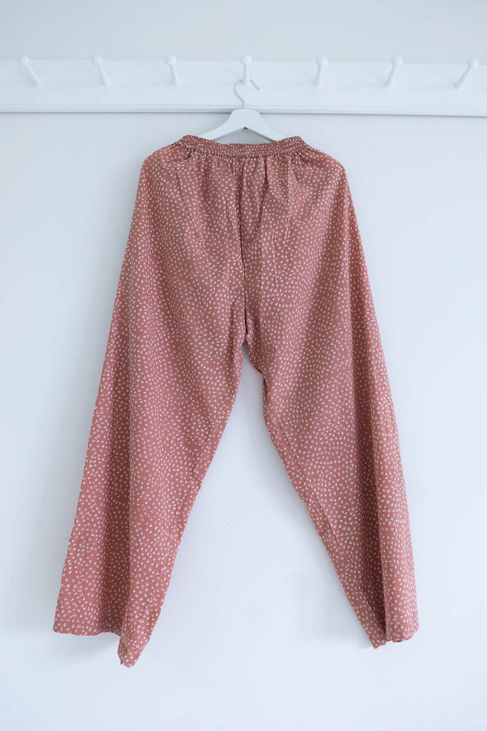 Scrub Print Pants in Dusty Pink Clay