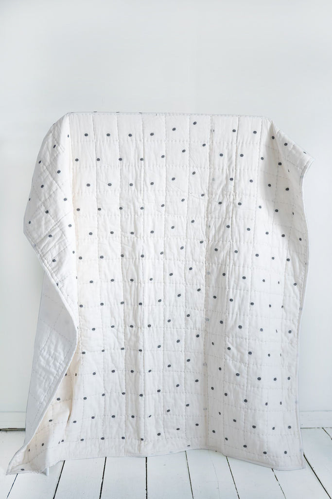Dot Quilt in Handloom Jamdani Weave