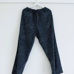 Scrub Print Pants in Midnight Blue