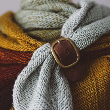 Purl & Hank Leather Shawl Buckle